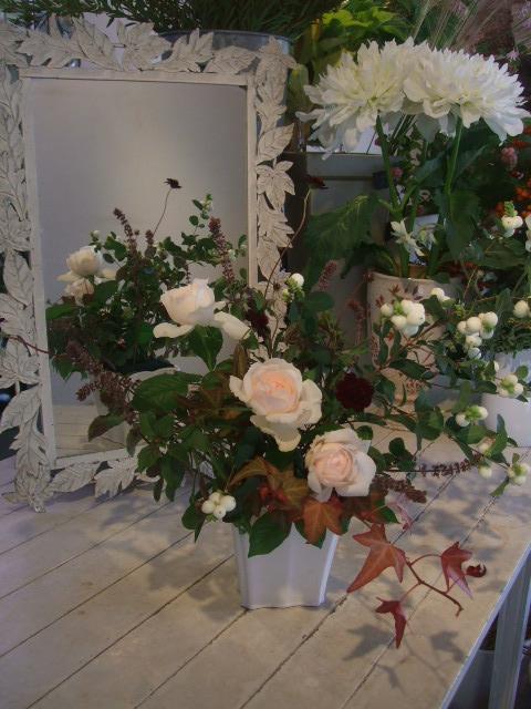 オークリーフ花の教室(赤地さんと宮原さんの作品)_f0049672_15271340.jpg