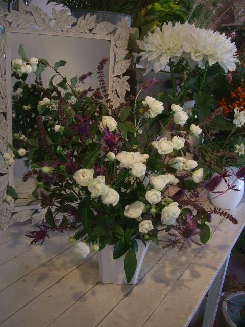 オークリーフ花の教室(赤地さんと宮原さんの作品)_f0049672_1592531.jpg