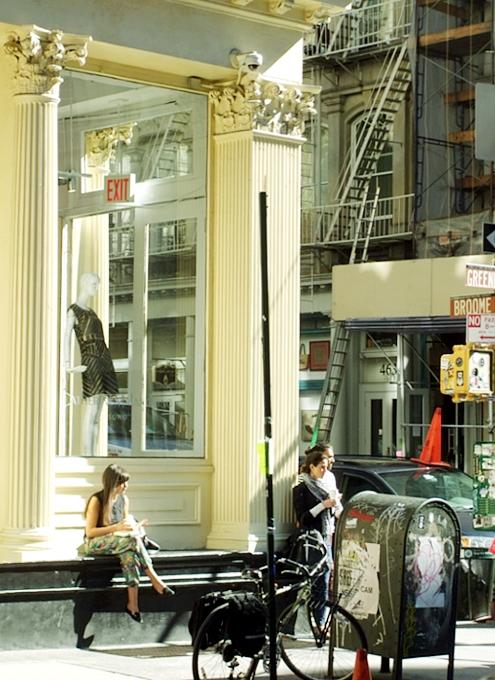 ニューヨークの街角で遭遇した自由の女神様アート作品_b0007805_6405764.jpg