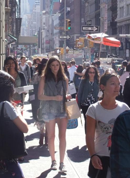 ニューヨークの街角で遭遇した自由の女神様アート作品_b0007805_929293.jpg