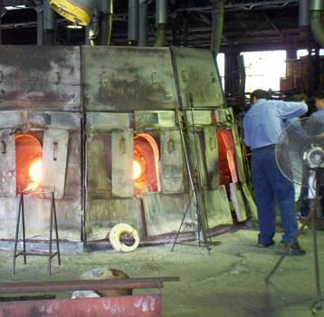 ガラス工場を訪ねました。_e0032514_163451.jpg