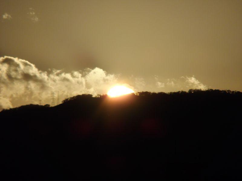 ついに山にはいる太陽を目撃_c0025115_2183818.jpg