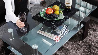 部屋のインテリアとしてガラステーブルを購入するなら格安通販店で