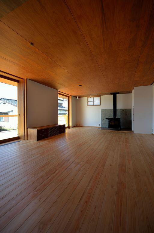 Fさんの家 「とりあえず」完成(3) 居間_a0039934_17282556.jpg