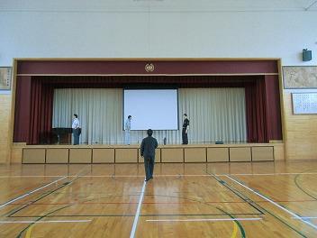 中学校で教育講演会_a0272042_183563.jpg