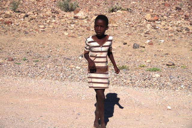 ナミビアの旅(30) カオコランドのオプウォ・カントリーロッジへ _c0011649_213059.jpg
