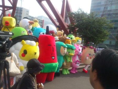札幌テレビ塔にゆるキャラ勢揃い_b0106766_23182828.jpg