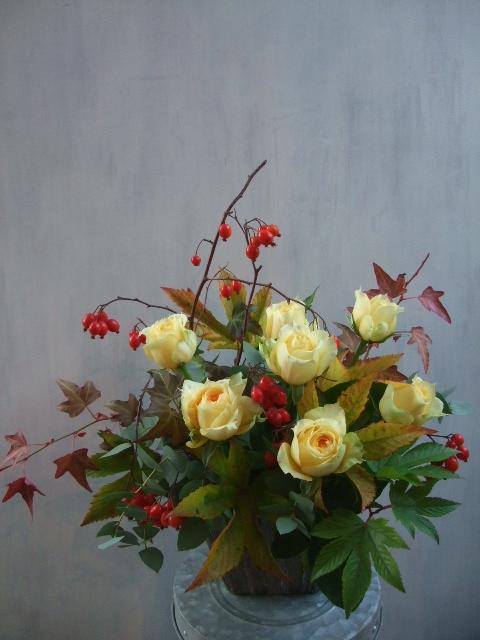 オークリーフ(秋バラと実もののアレンジメントⅠ)_f0049672_1152593.jpg