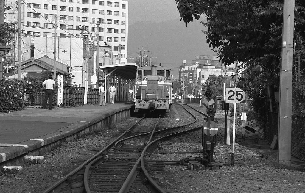 1983年9月 和田岬にてDD13客レ_f0203926_10512643.jpg