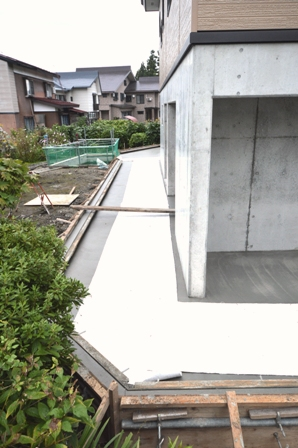 外 コンクリート_a0128408_17583345.jpg