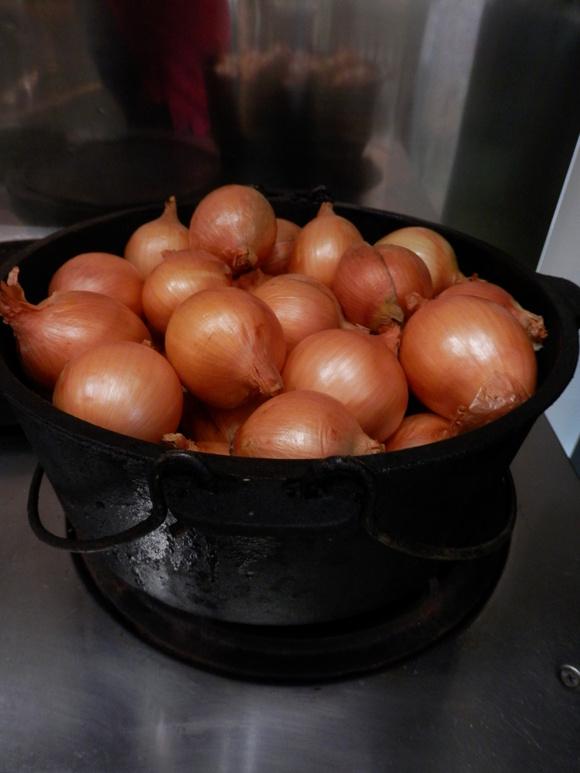こだわりの「濃厚トマトソース」です_a0125419_2027347.jpg