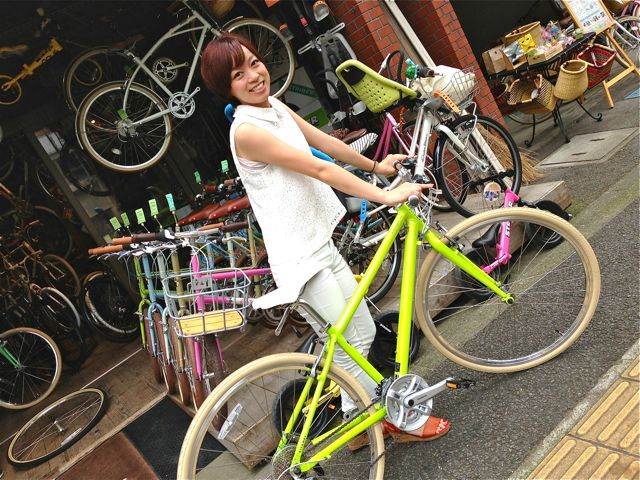 ☆今日のバイシクルガール 5本立て☆女子 おしゃれ 自転車_b0212032_214930100.jpg