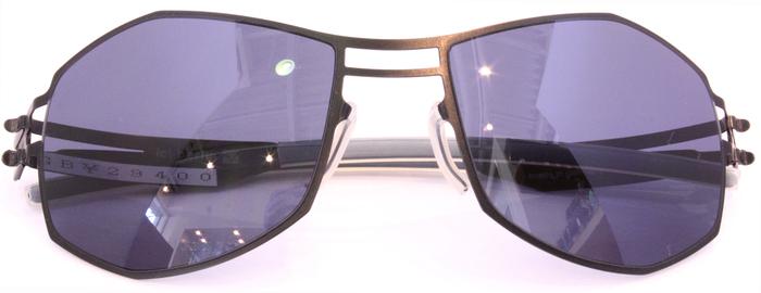 「Black Frame」_f0208675_17203786.jpg