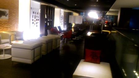 クロスホテル札幌のロビー_b0106766_23295165.jpg