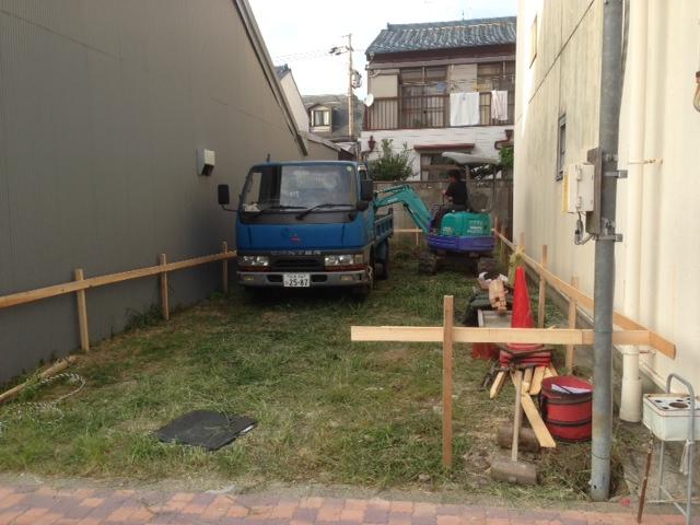 S邸 基礎工事始まりました。_b0283089_20432412.jpg
