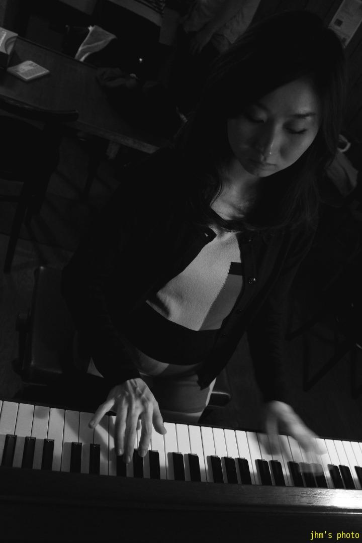 Pianist Mikiko Kou _a0158797_084765.jpg
