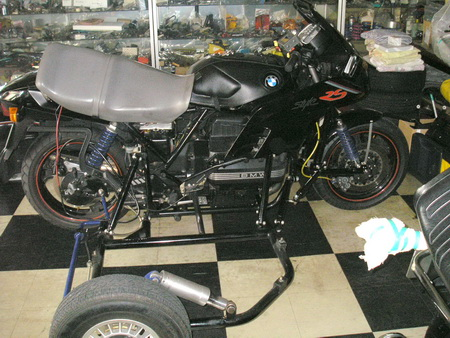 BMW 燃料ホース (継続検査)_e0218639_1125469.jpg