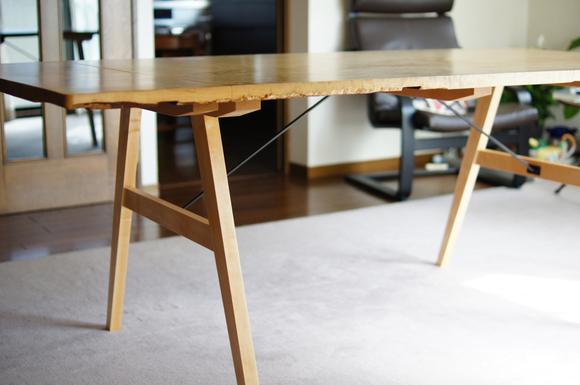 栃 1枚板のテーブル_a0122528_929579.jpg