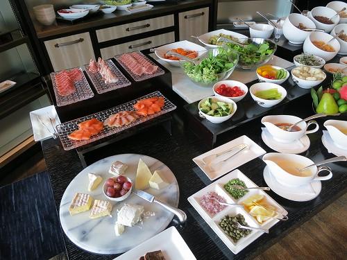 9月 シャングリ・ラ東京 クラブラウンジで朝食そしてチェックアウト_a0055835_153057100.jpg