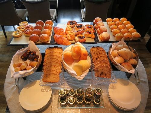 9月 シャングリ・ラ東京 クラブラウンジで朝食そしてチェックアウト_a0055835_15315494.jpg