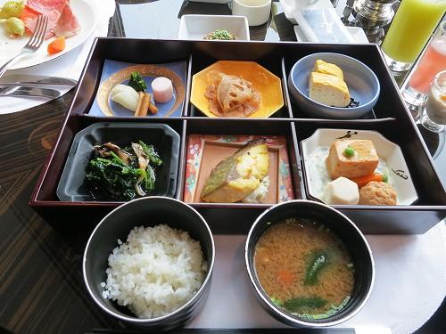 9月 シャングリ・ラ東京 クラブラウンジで朝食そしてチェックアウト_a0055835_15472949.jpg