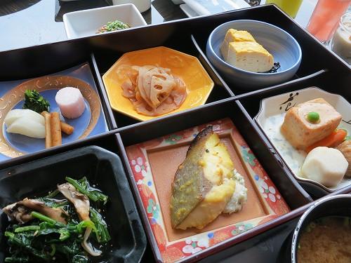 9月 シャングリ・ラ東京 クラブラウンジで朝食そしてチェックアウト_a0055835_15473733.jpg