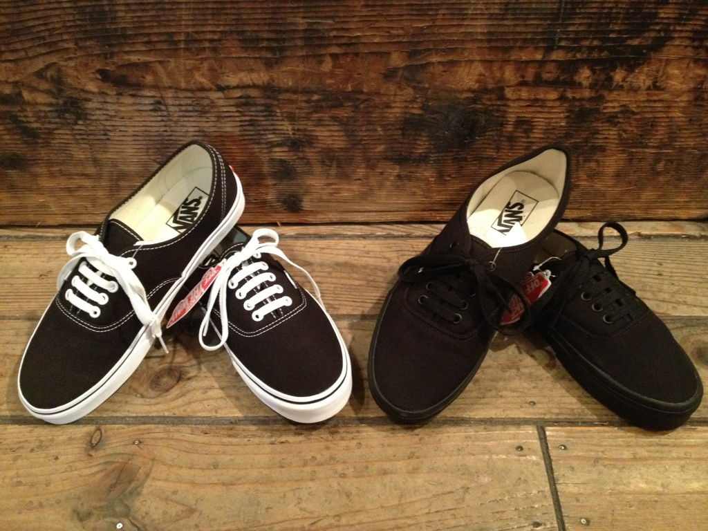 "VANS ""Authentic&Slip-on\""_b0121563_18384038.jpg"