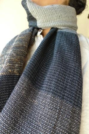 模紗織りのマフラー。_f0177373_20211543.jpg