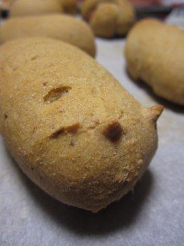 食いちぎられた小指パン_a0150910_2113570.jpg