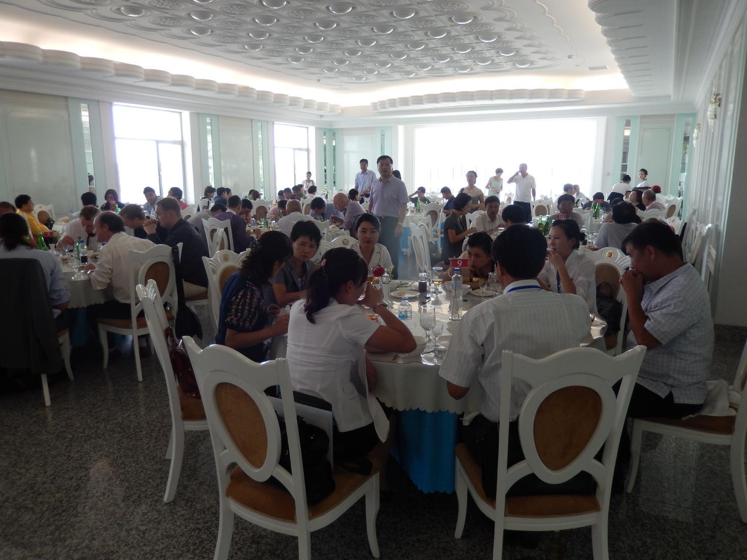 2013年版 北朝鮮のグルメ~5泊6日食事14回のすべて【前編】_b0235153_2242150.jpg