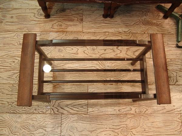 古い木とガラスのテーブル入荷!!●世田谷・若林店●_a0096367_20122820.jpg