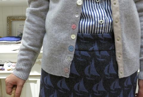 ヨット柄のウールスカートで、暖かくね。_c0227633_184957.jpg