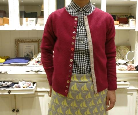 ヨット柄のウールスカートで、暖かくね。_c0227633_18505841.jpg