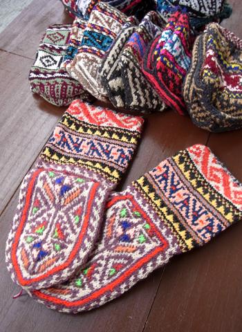 イランのおばあちゃんの手編靴下2013_d0156336_21594831.jpg