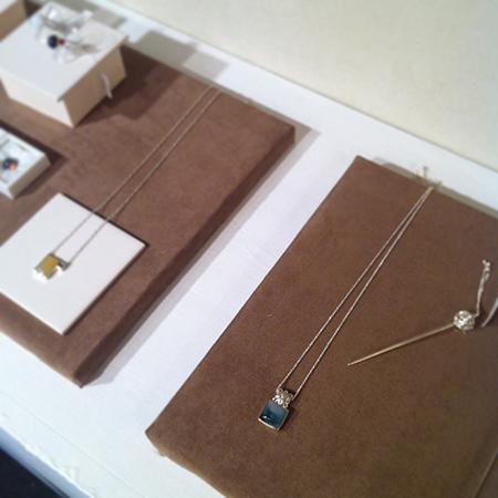 a present jewelry展_a0089420_11111169.jpg