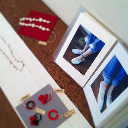 a present jewelry展_a0089420_1192737.jpg