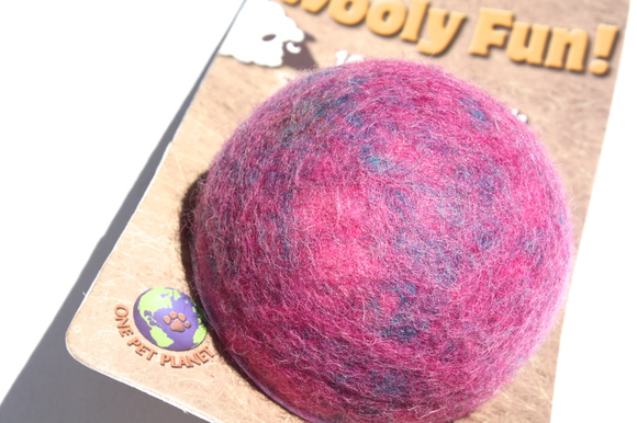One Pet Planet Wooly Fun Ball ワンペット プラネット ウーリーファン ボール_d0217958_1127146.jpg