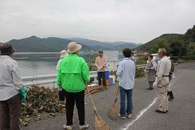 黒地の鼻「天然記念物」の清掃活動_e0175370_947364.jpg