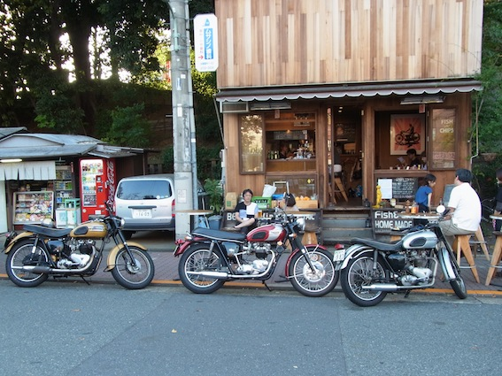3 triumph are goes to cafe!!_a0145275_2195651.jpg