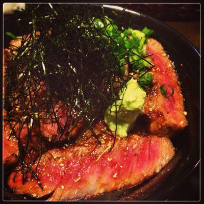 プチご褒美に超破格値の飛騨牛サーロインステーキ丼を食べる_b0065587_19523534.jpg