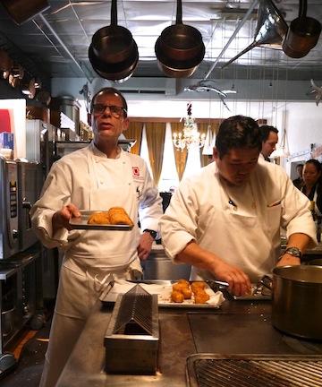 石川県の食材を使って有名シェフのマイケル・ロマーノが独創的なレシピを披露!_c0050387_12313774.jpg