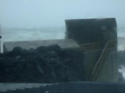 台風26号、久々に強烈でした〜@八丈島_b0189640_10404621.jpg