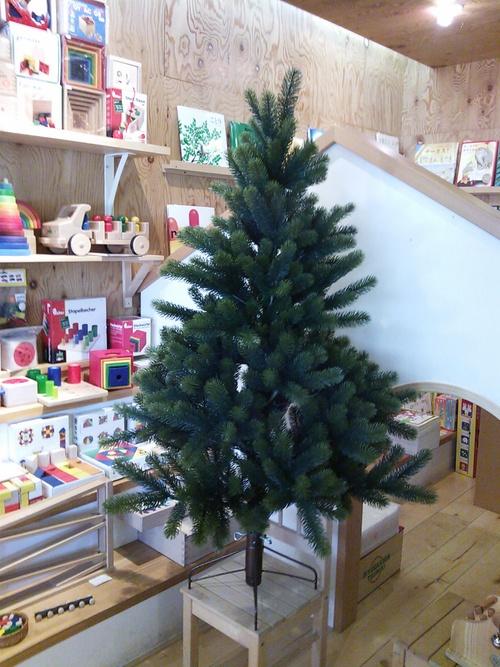 RS GLOBAL TRADE社のクリスマスツリーが入荷しました。_a0121669_169966.jpg
