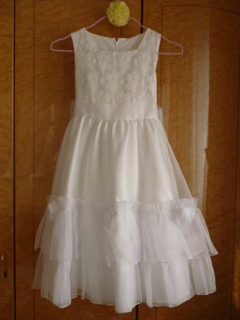 真っ白なドレス_f0254627_6402548.jpg