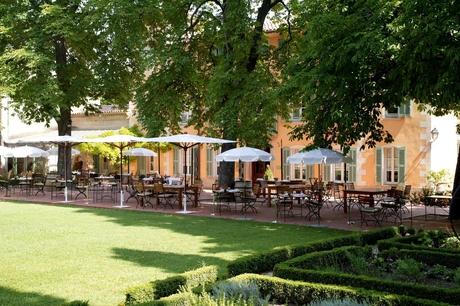 Hostellerie de L\'Abbaye de La Celle - オステルリー・ド・ラベイ・ド・ラ・セル_a0231632_21175211.jpg