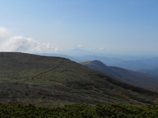 秋の栗駒山登山と 絶景かな栗駒山荘 その1_c0261447_2312588.jpg