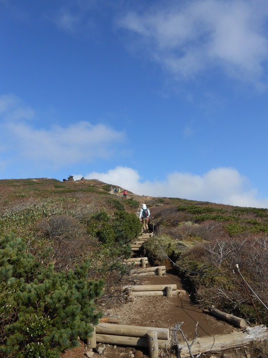 秋の栗駒山登山と 絶景かな栗駒山荘 その1_c0261447_23163067.jpg