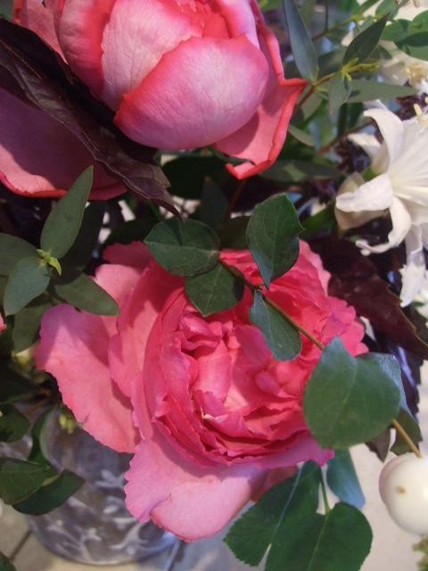 オークリーフ花の教室(北条さんと根本さんの作品)_f0049672_1659159.jpg