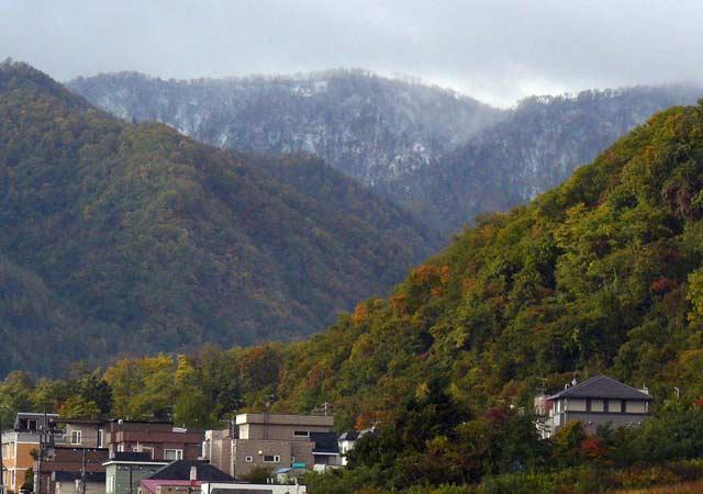 山に初雪_d0162994_933564.jpg