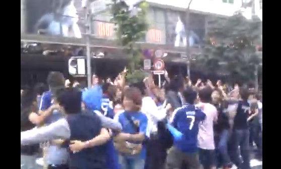 外国人が日本のサッカーサポーターみて一言:「これ日本人は別世界に生きてんな」_e0171614_853526.jpg